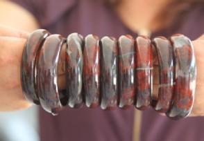 巴林鸡血石有哪些品种 鸡血石价格多少?