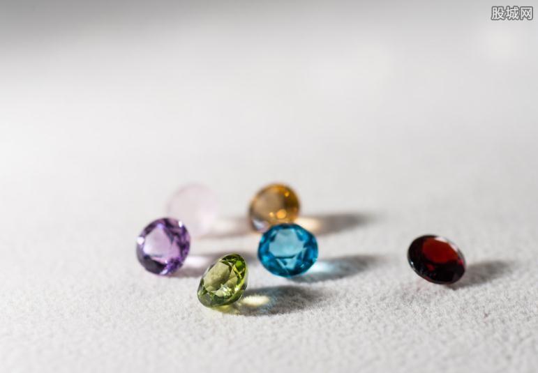 怎么挑选彩色宝石