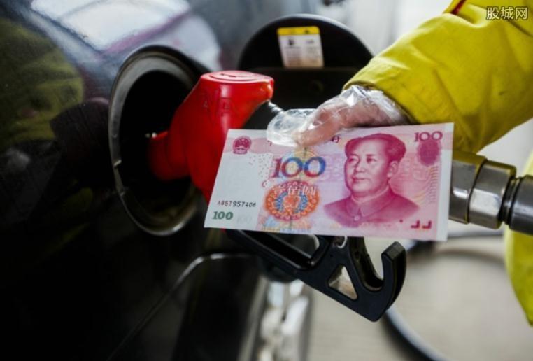 人民币贬值油价下挫