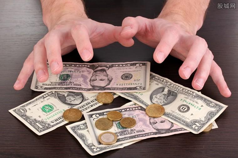 美元能否存入我国银行?